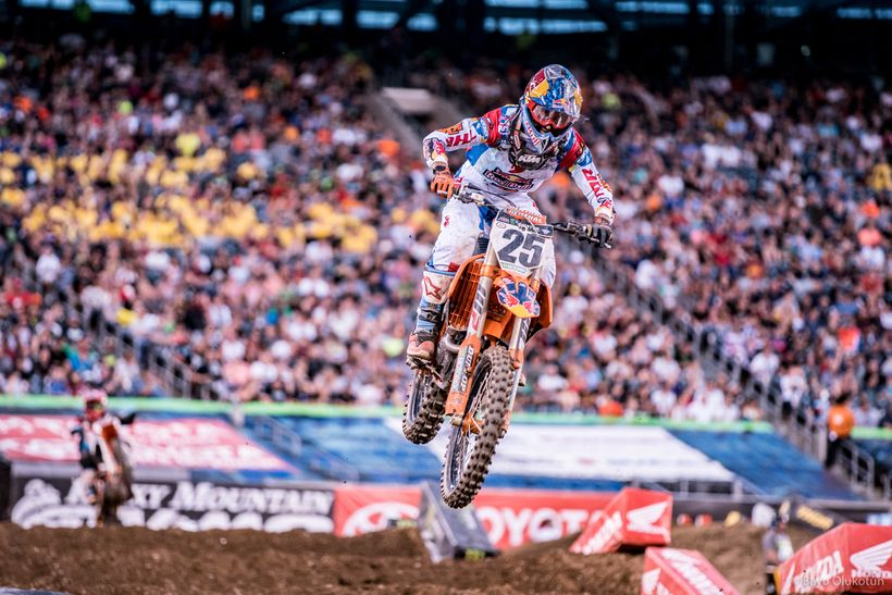 Marvin Musquin could have run away with the win but he did not, perhaps due to team order to let Dungey take the win and poin