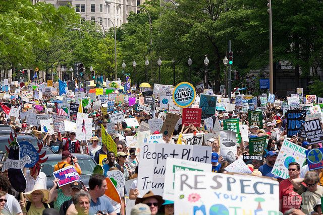 "<a rel=""nofollow"" href=""https://www.flickr.com/photos/9602574@N02/34320983196"" target=""_blank"">2017 DC Climate March</a>"
