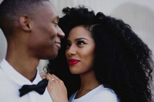 Here's Why More Brides Are Opting For Natural Hair On Their Wedding