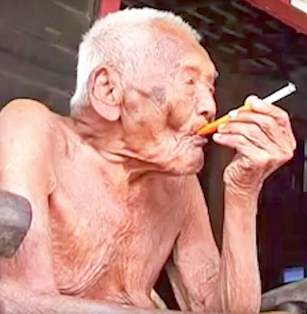 Longtime Indonesian resident Sodimedjo, aka Mbah Gotho -- a former heavy smoker -- has died at the alleged...