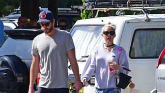BYRON BAY, NSW - APRIL 29:  Liam Hemsworth and Miley Cyrus seen on April 29, 2016 in Byron Bay, Australia.  (Photo by Matrix/GC Images)
