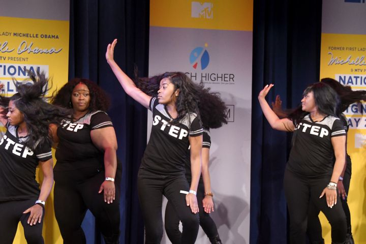 A Baltimore step team opened up this College Signing Day.