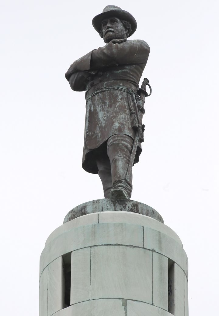 A 60 ft (18 m) tall monument to Confederate General Robert E. Lee towers over a traffic circle in New Orleans, Louisiana.