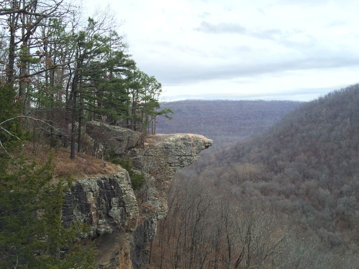 <p>Hawksbill Crag, the most photogenic and iconic geological feature of Arkansas nestled in the Ozark Mountains.</p>