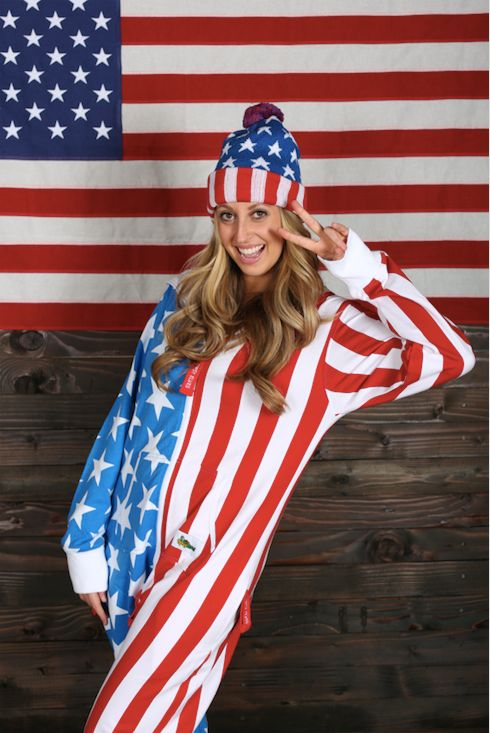"Does your mom love America? Does she wake up in the morning singing, ""God Bless America""? This <a href=""http://www.tipsyelves"
