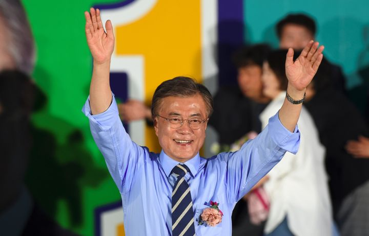 South Korean presidential candidate Moon Jae-In of the Democratic Party attends his election campaign in Seoul on May 8, 2017