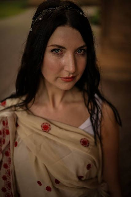 Kathleen McHatton as Artemis in <strong><em>Twins</em></strong>