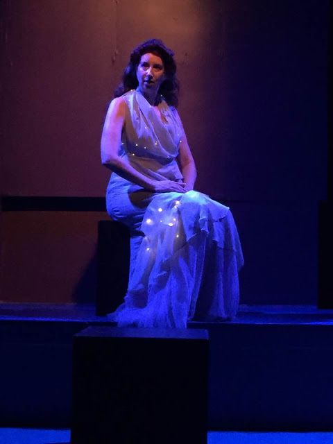 Kim Saunders as Selene in <strong><em>Twins</em></strong>