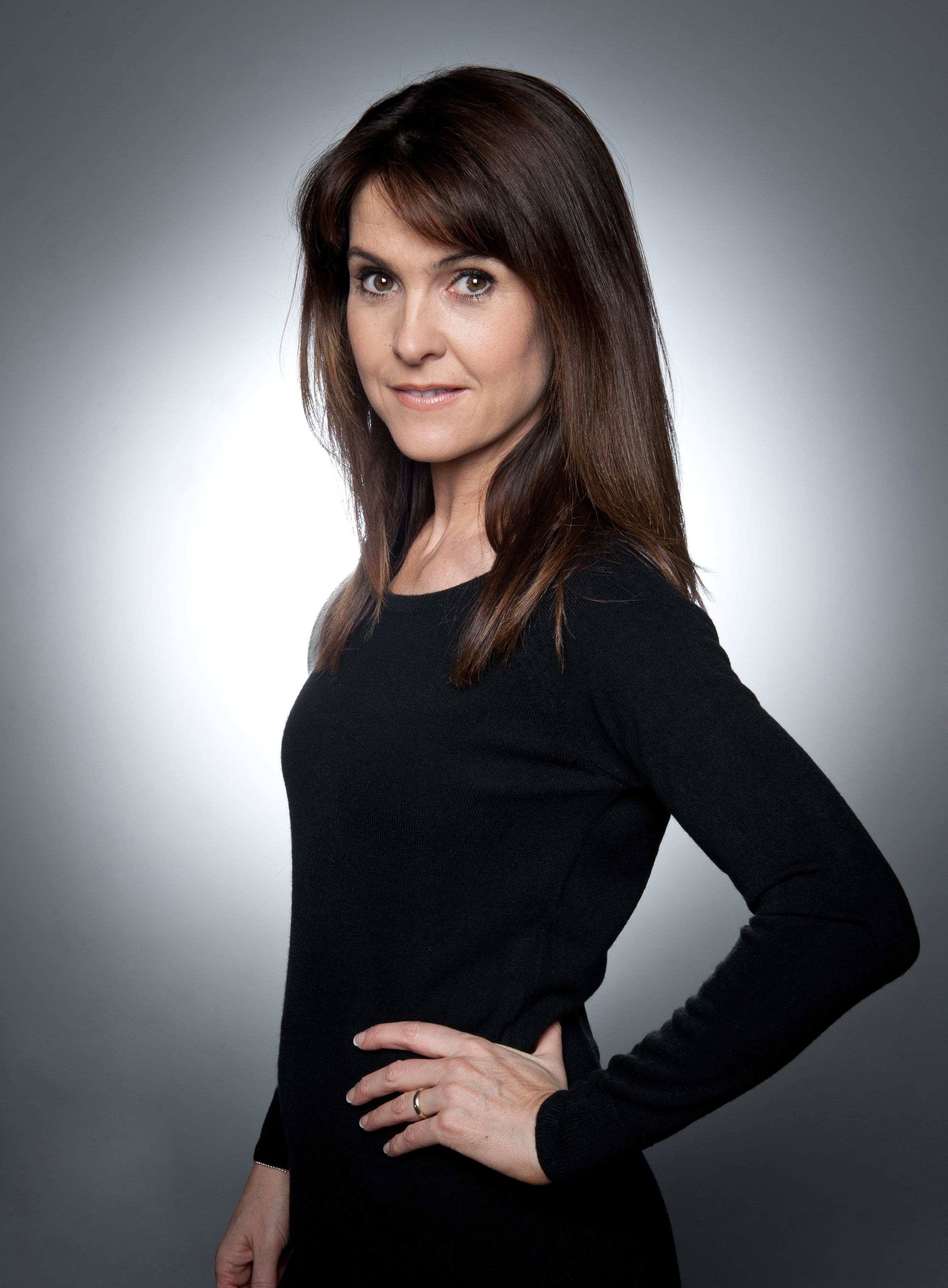 Spoiler! 'Emmerdale' Boss Reveals Emma Barton Exit