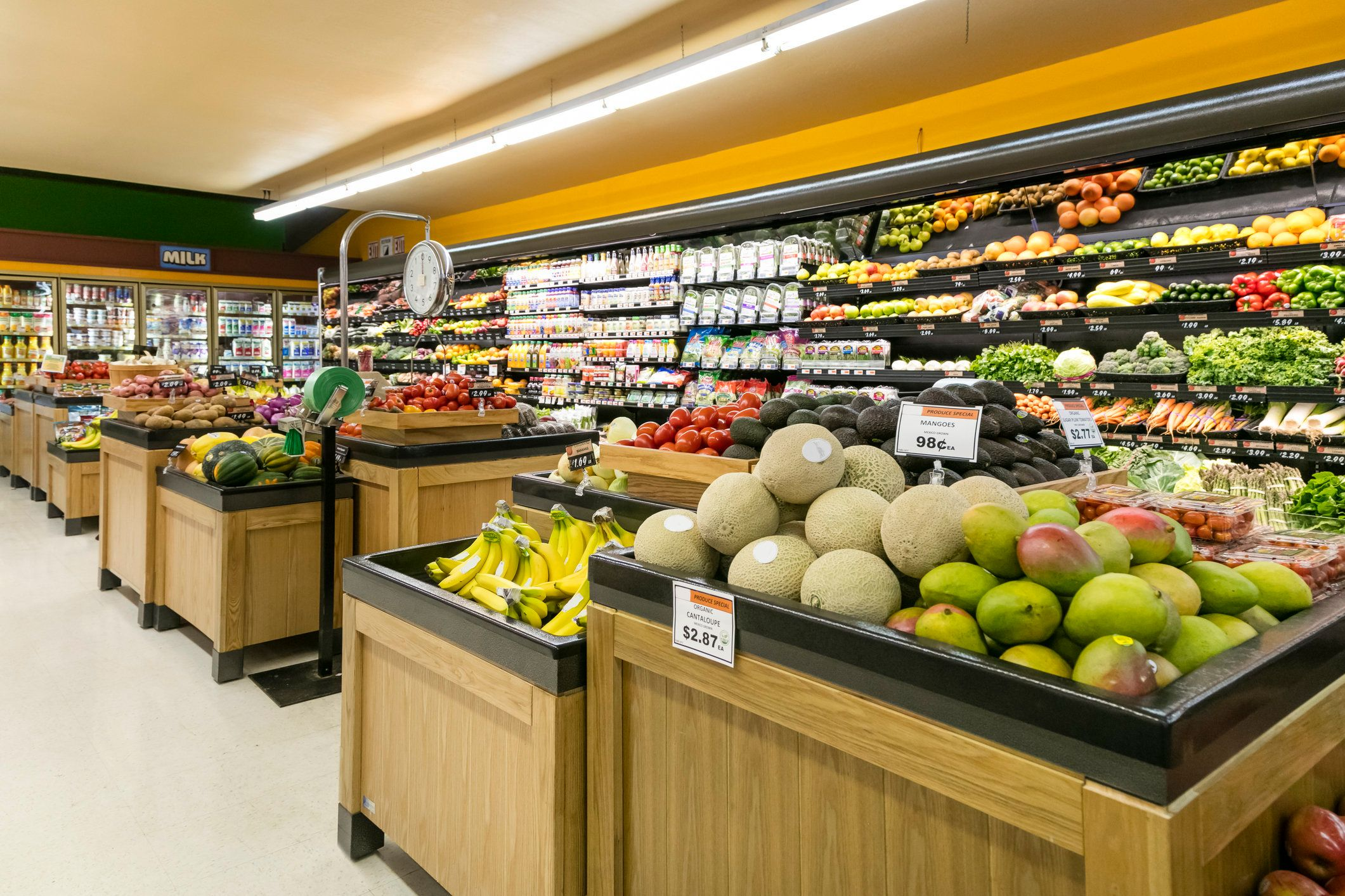 Order fresh groceries online Shop at Publix Delivers from any device. Schedule the delivery Get your groceries in as little as an hour, or when you want them. Get it delivered to your doorstep Fresh handpicked groceries from Publix Delivers to your front door! How It Works Log In.