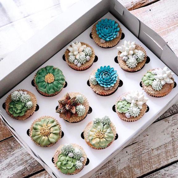 """<i>Desserts by <a href=""""https://www.instagram.com/ivenoven/"""" target=""""_blank"""">Ivenoven</a></i>"""