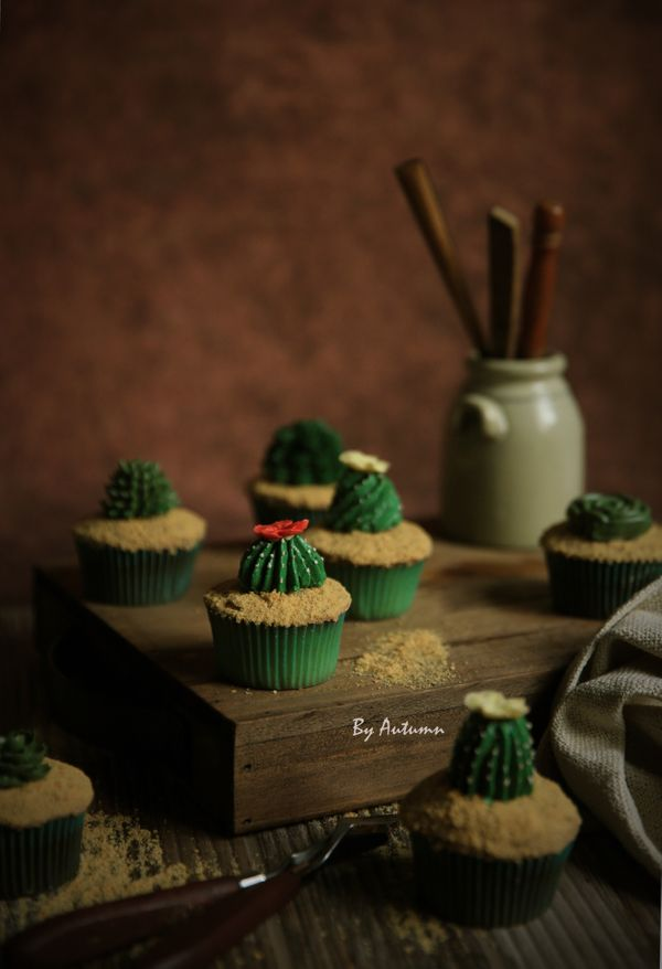 """<i>Desserts by <a href=""""https://www.sweetautumnbakery.com/"""" target=""""_blank"""">Sweet Autumn Bakery</a></i>"""