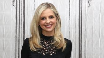 NEW YORK, NY - DECEMBER 17:  Sarah Michelle Gellar attends AOL BUILD Series: Sarah Michelle Gellar Discusses Her New Company 'Foodstirs' at AOL Studios In New York on December 17, 2015 in New York City.  (Photo by Robin Marchant/Getty Images)