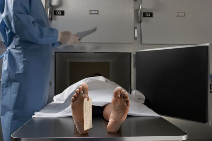 Lawsuit: Mortuary work caused man to become ill