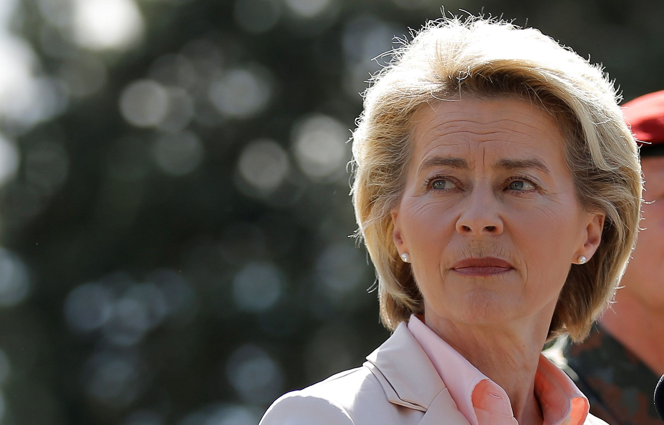 "German Defence Minister Ursula von der Leyen addresses journalists, after her visit at the Jaeger Battalion 291 (Light Infantry) based at the ""Quartier Leclerc"", a military facility for French and German military units in Illkirch-Graffenstaden near Strasbourg, France May 3, 2017. REUTERS/Vincent Kessler"