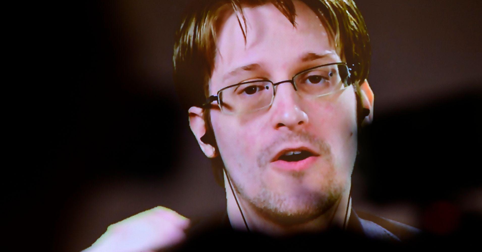 Edward Snowden: If I Can Oppose James Comey's Firing, So ...  Edward Snowden:...
