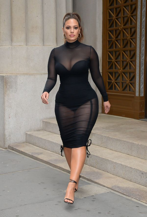 Ashley Graham Must Be Going After A Record Or Something