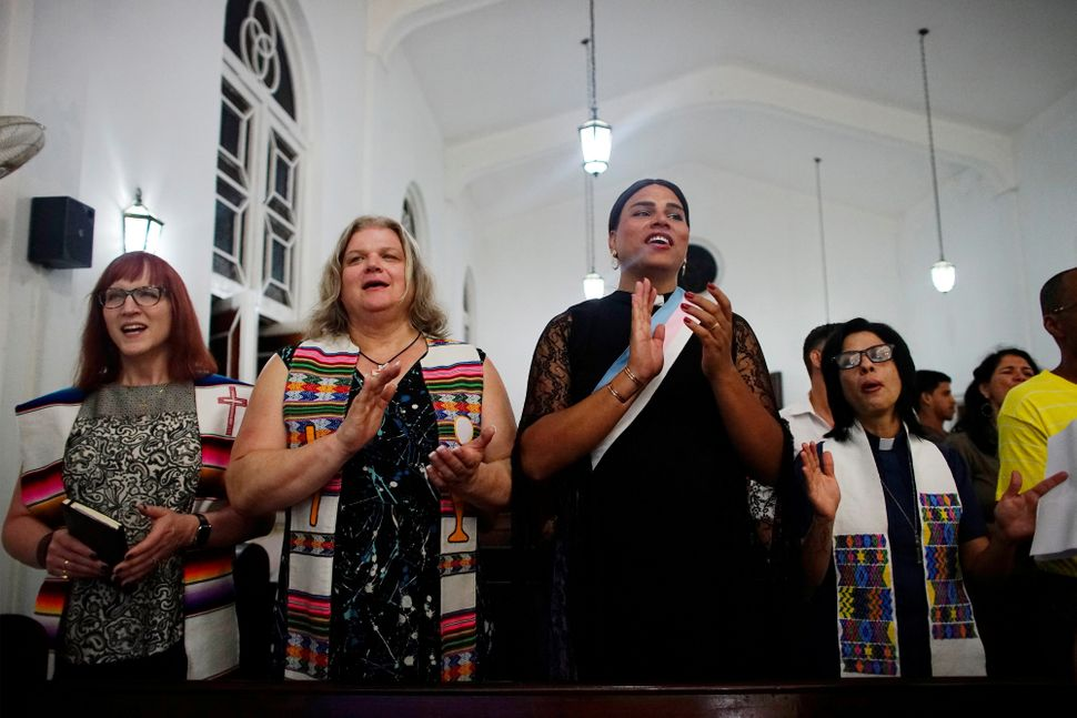 """As part of a <a href=""""https://www.huffpost.com/entry/transgender-mass-cuba_n_5914dedde4b0031e737c710f?ysa"""">conference on quee"""