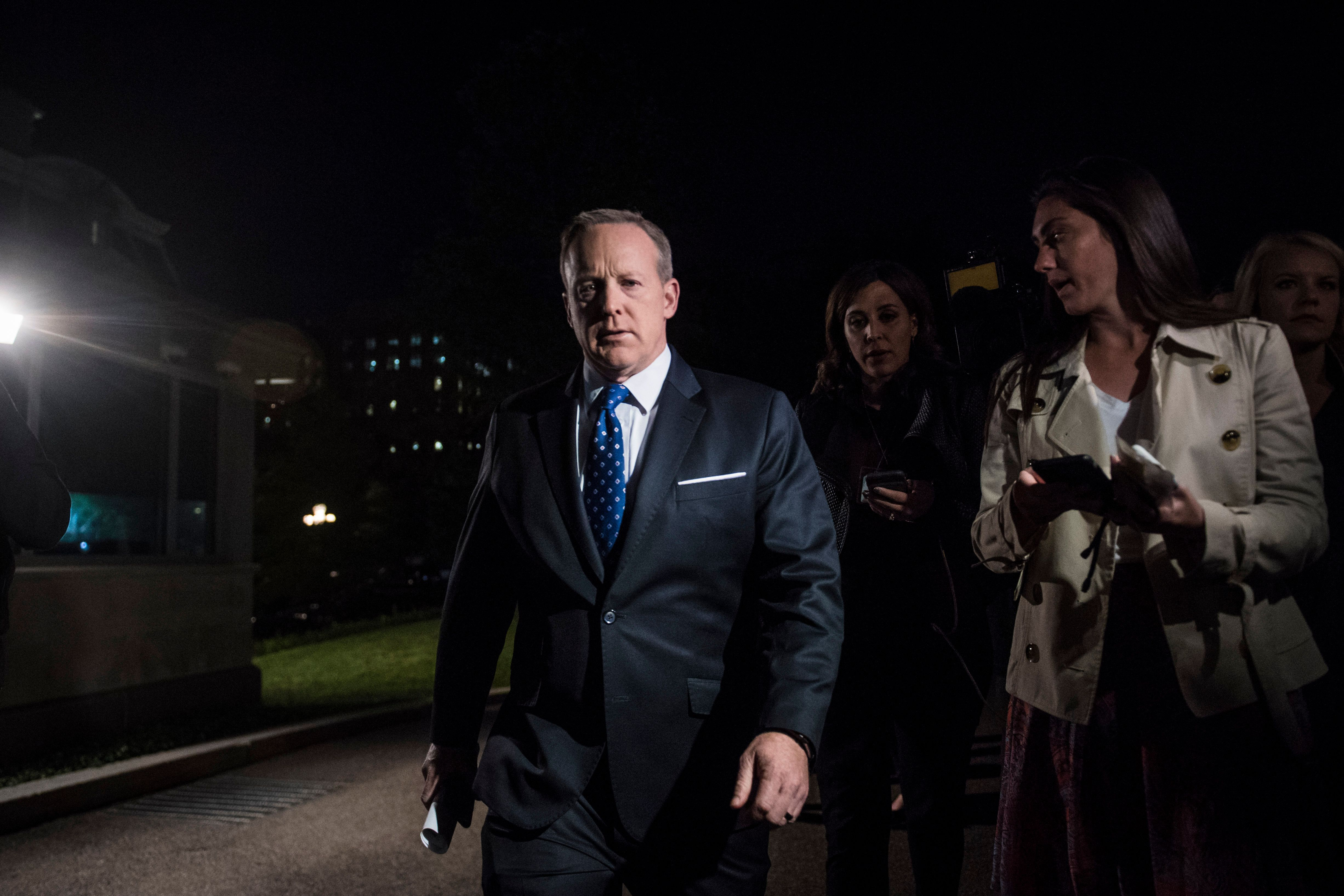 Sean Spicer Hid In The Bushes As White House Tried Spinning James Comey