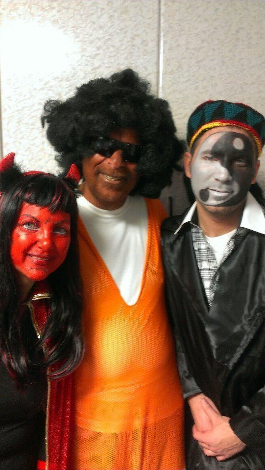 Hikind, center, wore blackface and dressed as a basketball player at a2013 Purim party.Hetold CBS that it &