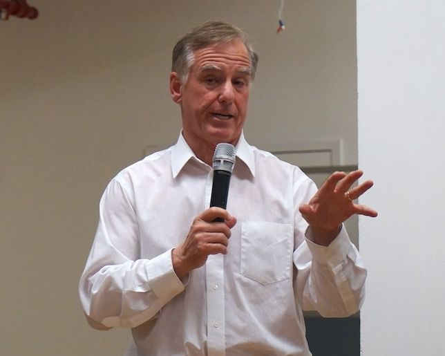 Howard Dean speaks to the CPA Federation gathering