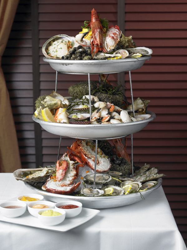 <p>Seafood Tower</p>