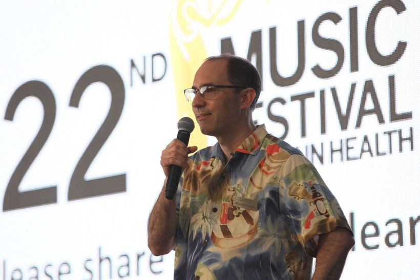 I speak about my recovery, thanks to comprehensive early intervention, at One Mind Institute's 2016 Music Festival for Brain