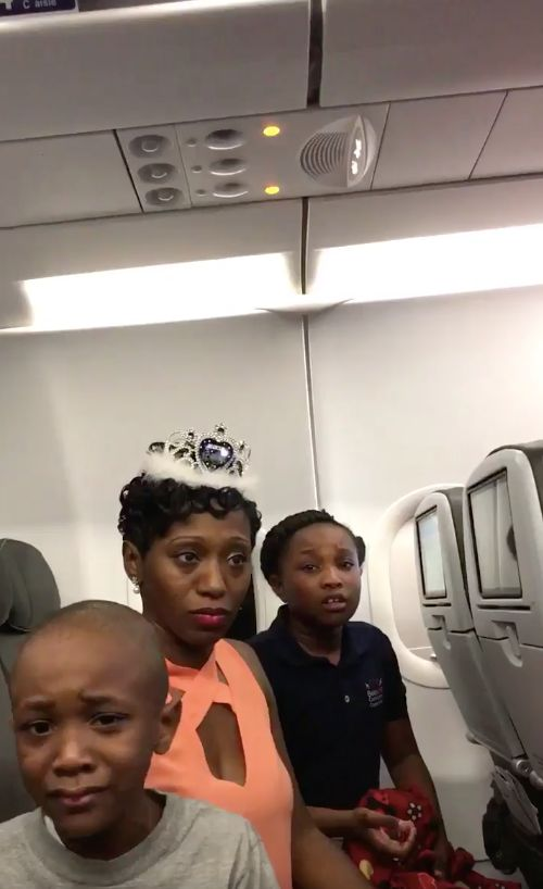 A New Jersey family has threatened to sue JetBlue airlines after they say they were removed from a plane over a cake.