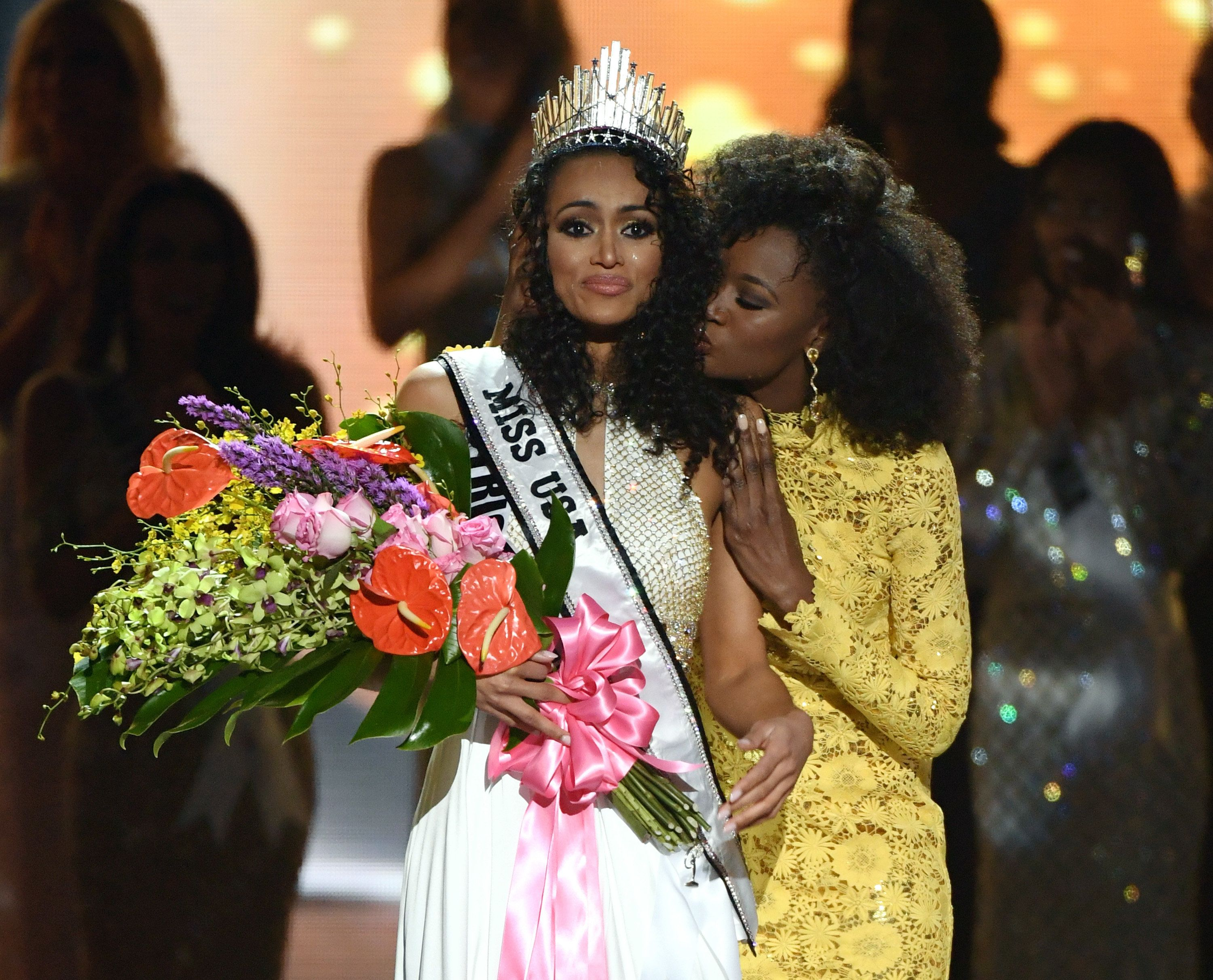 LAS VEGAS, NV - MAY 14:  Miss District of Columbia USA 2016 Kara McCullough (L) reacts as she is crowned Miss USA 2017 by Miss USA 2016 Deshauna Barber during the 2017 Miss USA pageant at the Mandalay Bay Events Center on May 14, 2017 in Las Vegas, Nevada.  (Photo by Ethan Miller/Getty Images)