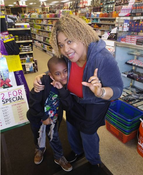 """Thanks to a kind woman, 6-year-old Jaiden made a """"new friend"""" who helped him through a meltdown at a beauty supply store."""