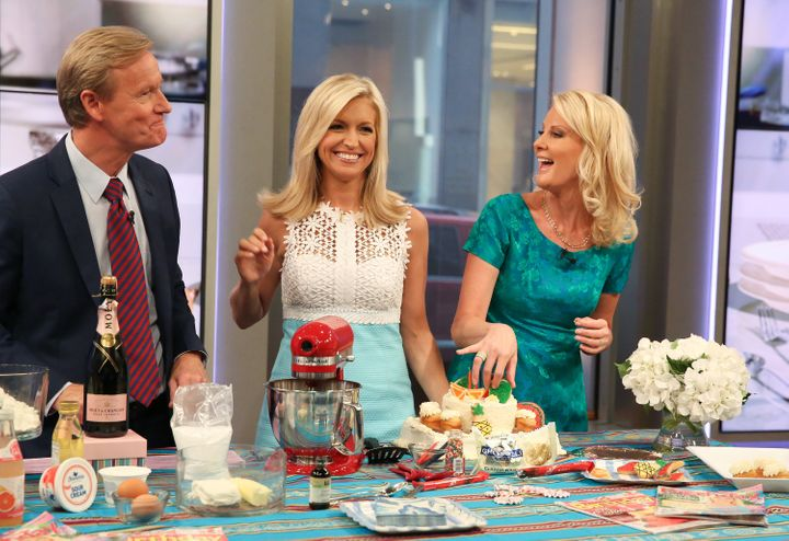 Sandra Lee (R) appears on the Cooking With Friends segment of 'Fox & Friends' with hosts Steve Doocy (L) and Ainsley Earhardt at FOX Studios on July 6, 2016 in New York City.