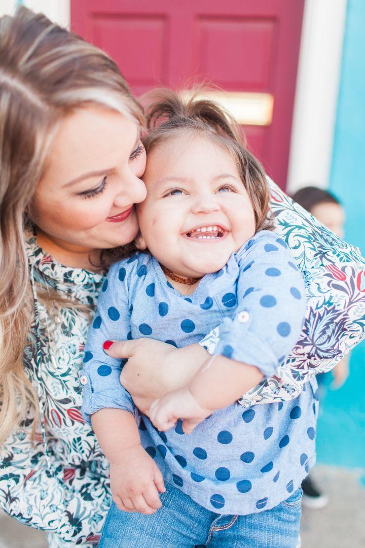 <p>Sarah and her daughter Ellis</p>