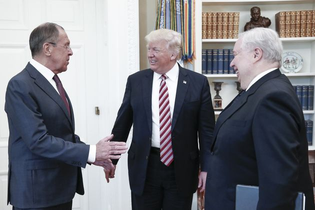 Left to right: Lavrov, Trump and Russian ambassador Sergei