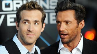 Cast members Ryan Reynolds (R) and Hugh Jackman arrive for the Los Angeles industry screening of 'X-Men Origins-Wolverine' at Grauman's Chinese Theater in Hollywood, California, on April 28, 2009. AFP PHOTO/Jewel SAMAD (Photo credit should read JEWEL SAMAD/AFP/Getty Images)