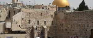HORIZONTAL PASSOVER MIDDLE EAST JUDAISM JEWISH FESTIVAL WAILING WALL ISRAELI RELIGIOUS PRACTICE GENERAL VIEW
