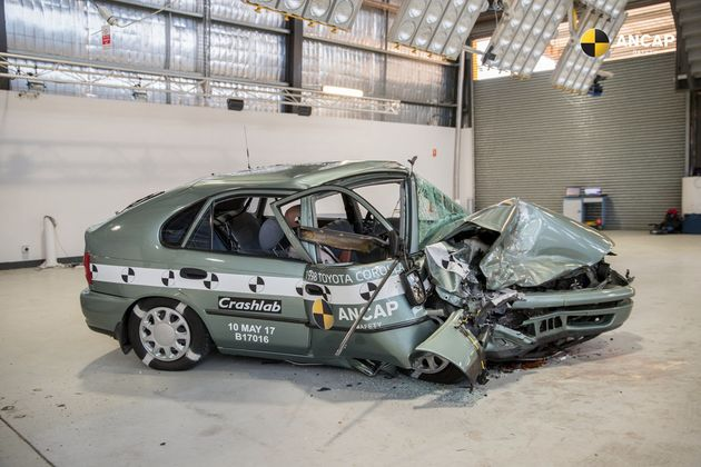 This Is What Happens When A 1998 Car Crashes Into A 2015