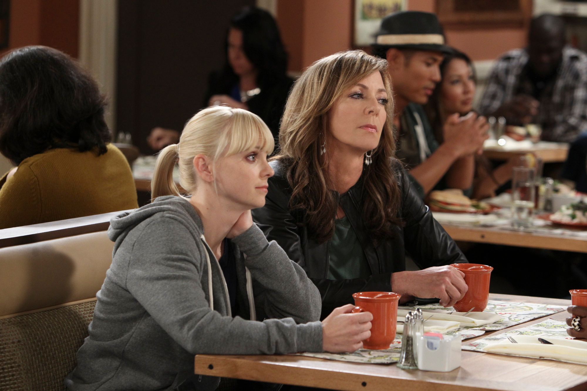 LOS ANGELES - AUGUST 30: 'Six Thousand Bootleg T-Shirts and a Prada Handbag'- Christy (Anna Faris, left) and Bonnie (Allison Janney, right) meet a woman with bigger issues than them, on MOM, Monday, October 21 (9:30-10:00 PM, ET/PT) on the CBS Television Network. (Photo by Monty Brinton/CBS via Getty Images)