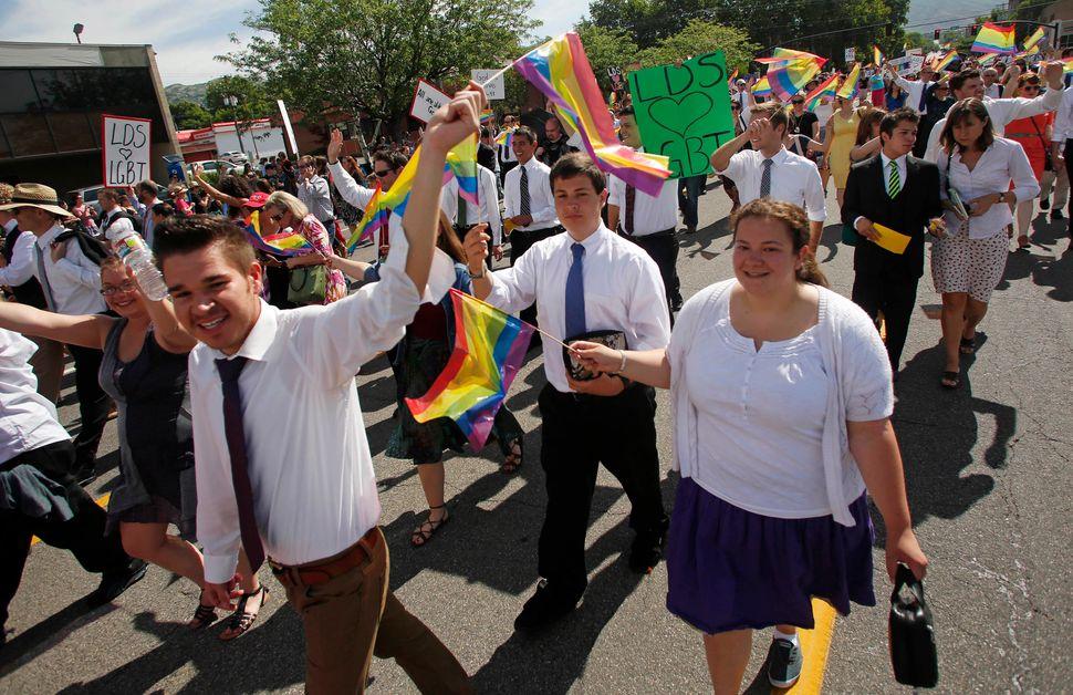 "<a href=""http://mormonsbuildingbridges.org/"" target=""_blank"">Mormons Building Bridges</a> brings together members of the Chur"