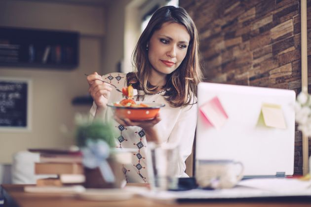 Why Desk Lunches Could Be Seriously Scuppering Your Weight Loss