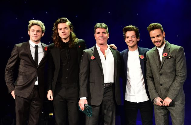 Simon Cowell (centre) with the Nial Horan (far left) and the rest of One