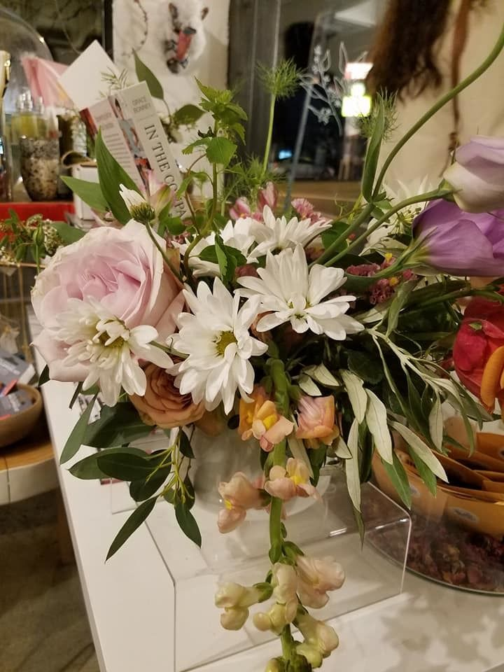 Native Poppy floral arrangement for the party