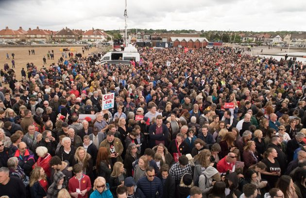 Jeremy Corbyn Gatecrashes Wirral Live Music Festival Headlined By The