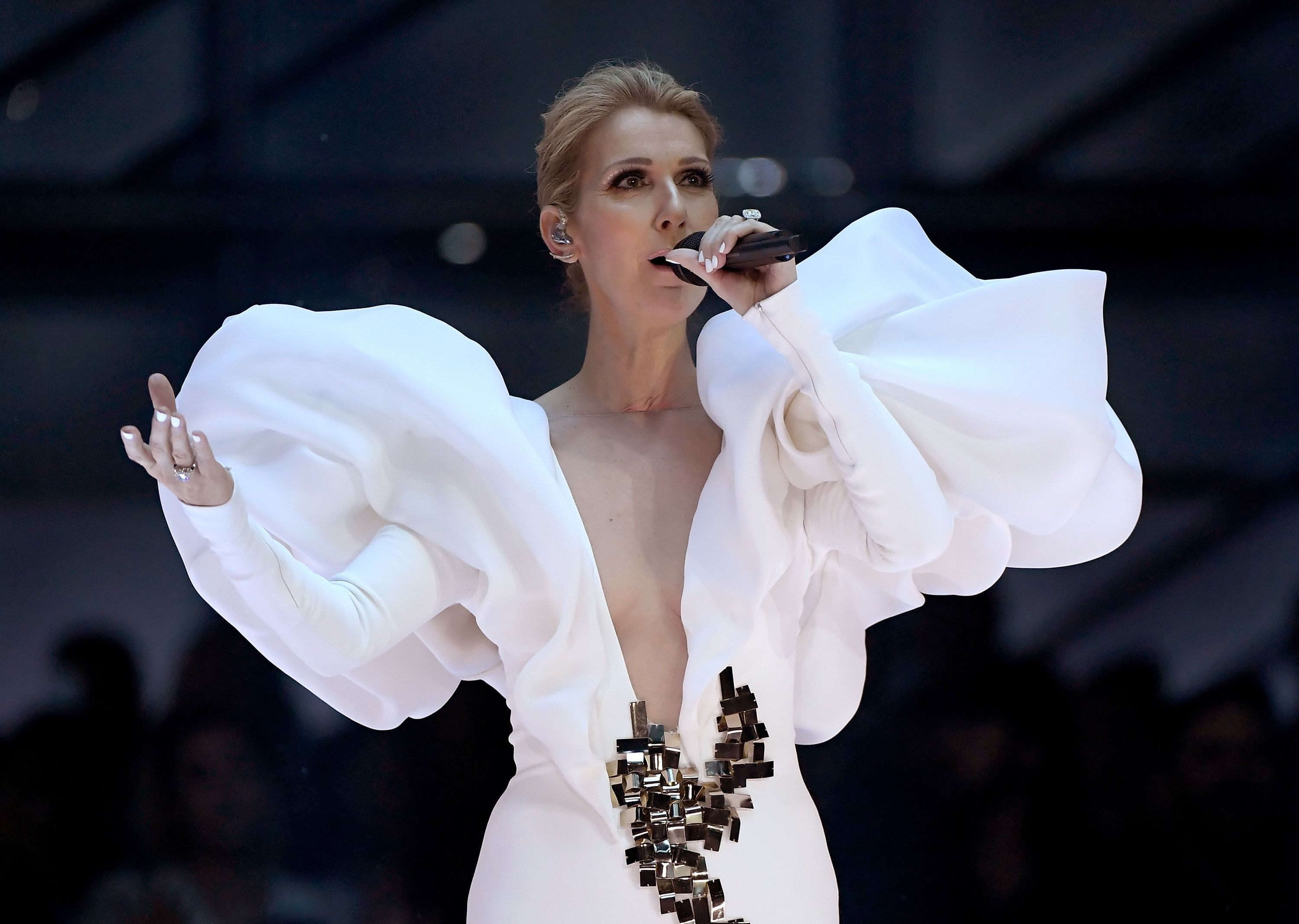 Celine Dion Celebrates 20th Anniversary Of 'My Heart Will Go On' With Billboard Award