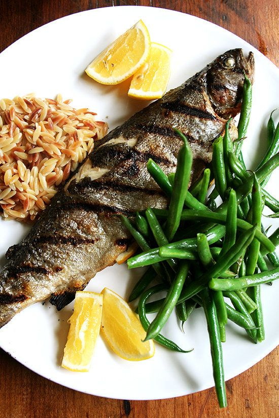 "<strong>Get the <a href=""http://www.alexandracooks.com/2012/10/03/dinner-in-30-minutes-whole-grilled-trout-steamed-green-bean"