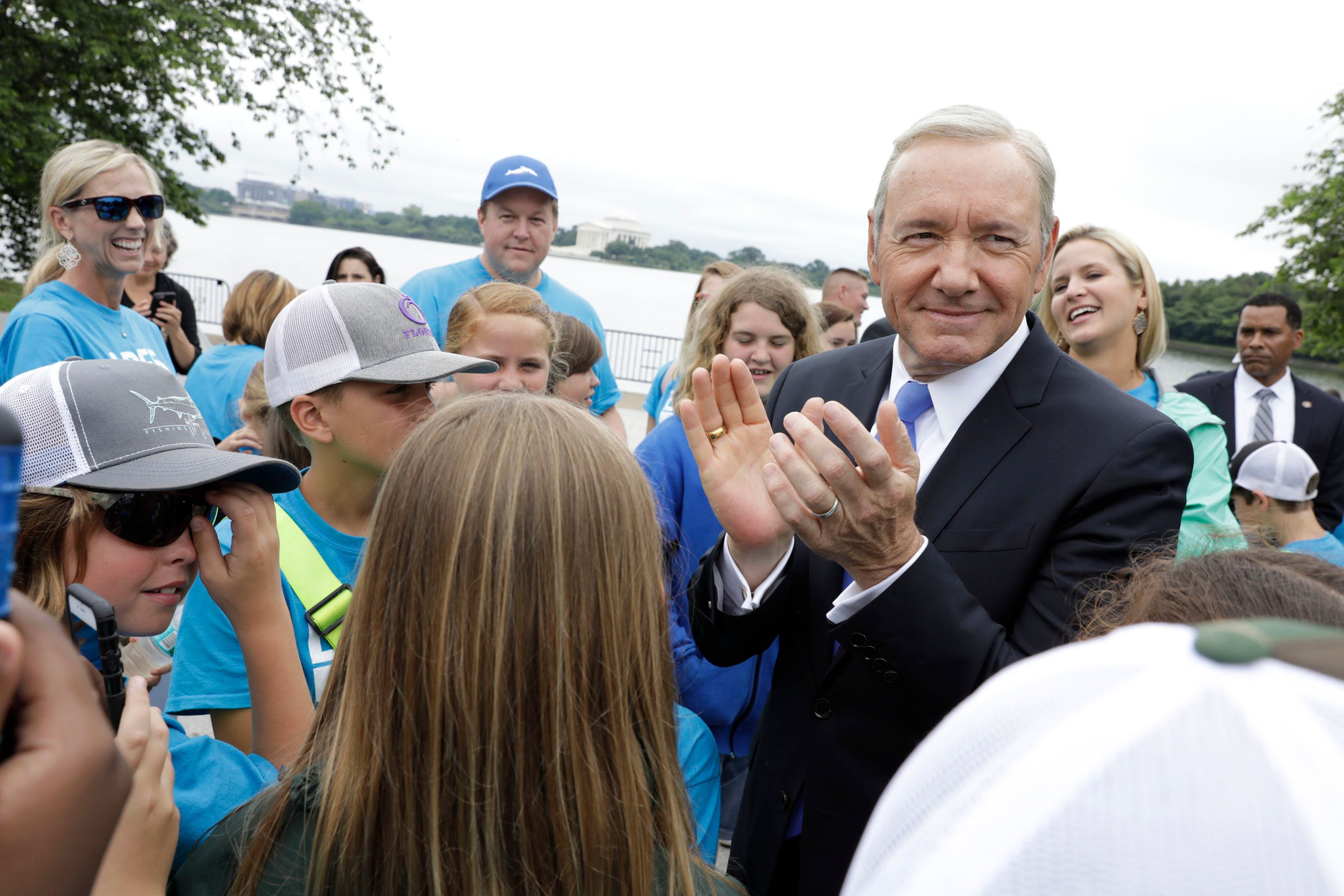 TV Meets Real Life As Frank Underwood Is Photographed By Pete