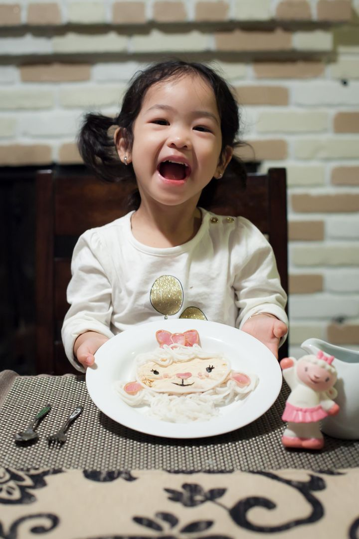 Chang's daughter, Sam, has shown a lot of interest in cooking since her mom started her food art project.