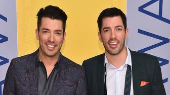 NASHVILLE, TN - NOVEMBER 02:  Jonathan Drew and Drew Scott of Property Brothers attend the 50th annual CMA Awards at the Bridgestone Arena on November 2, 2016 in Nashville, Tennessee.  (Photo by Michael Loccisano/Getty Images)