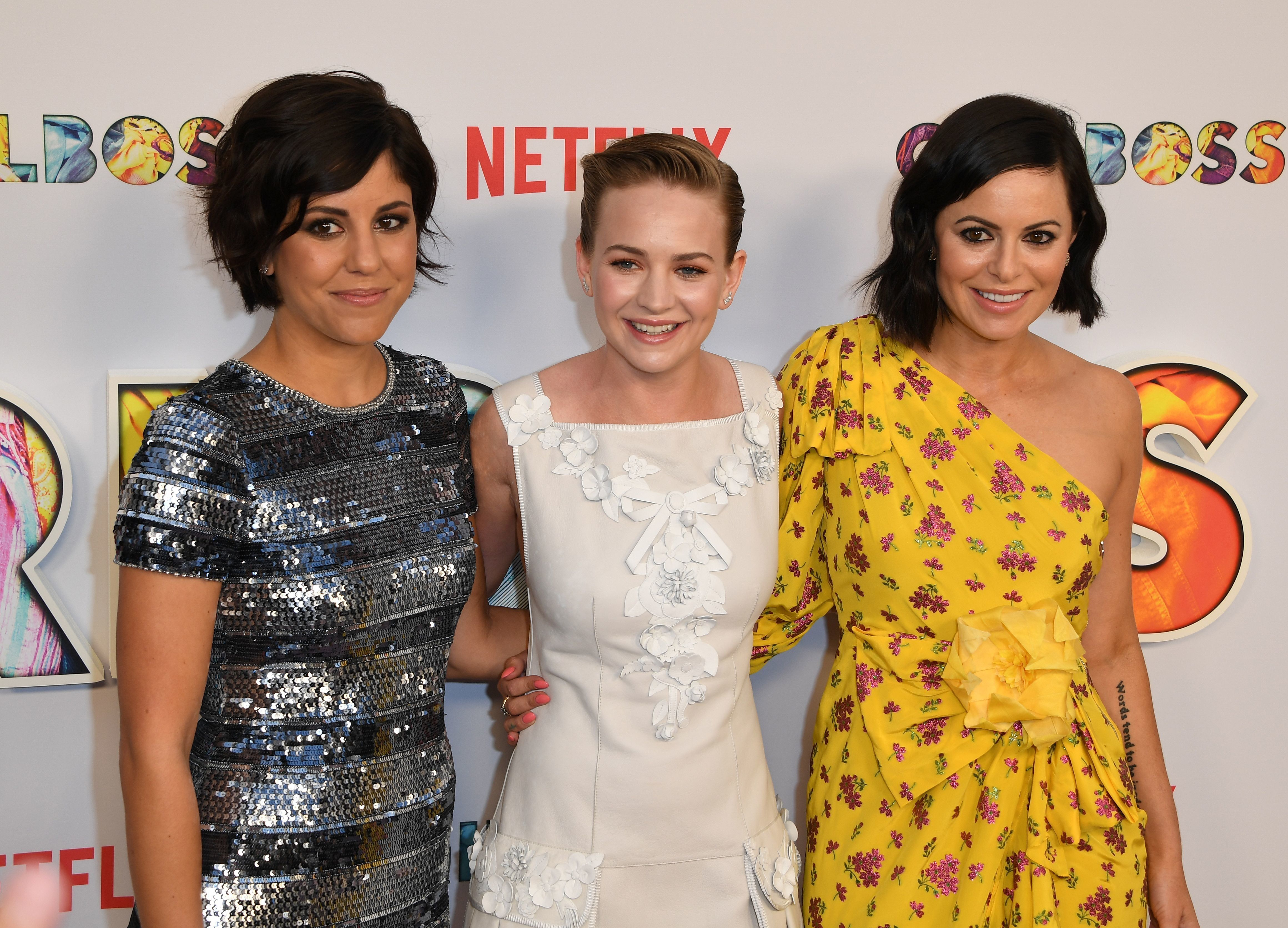 (L-R) Actors Ellie Reed, Britt Robertson and executive producer Sophia Amoruso arrive for the premiere of Netflix's 'Girlboss' at ArcLight Cinemas in Hollywood, California on April 17, 2017. / AFP PHOTO / Mark RALSTON        (Photo credit should read MARK RALSTON/AFP/Getty Images)