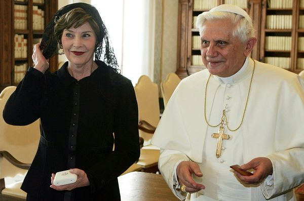 Pope Benedict XVI receivedLaura Bush in black as the first lady was on her way to the 2006 Olympics.