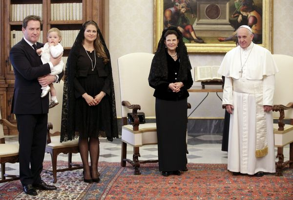 As members of a protestant house, Swedish queenswear black. Here Pope Francis poses with Queen Silvia, her daughter Pri